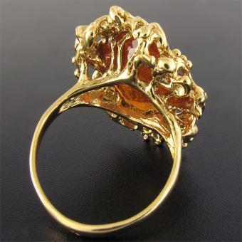 кольцо с клиногумитом