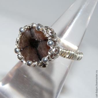 перстень с хиастолитом