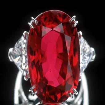 Пейнит.Красный бриллиант
