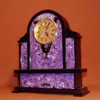 Часы в чароите