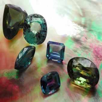 Александрит- переменчивый камень